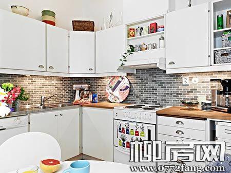 一室一厅的小屋的装修:厨房,白色简约设计