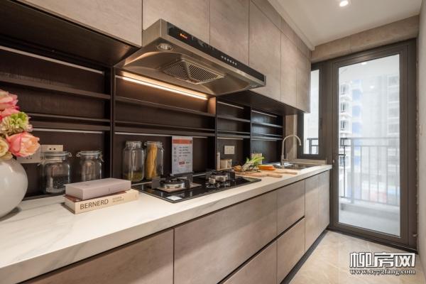 厨房大一点 生活滋味多一点 隔离在家厨房是另一个舞台