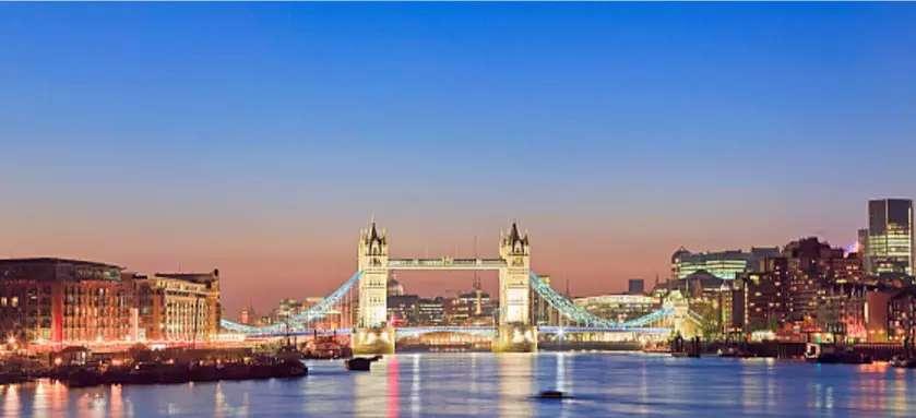 伦敦大桥.jpg