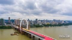 白沙大桥铺设沥青 西岸立交稳步推进