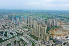 今年,柳州市与鹿寨县毗邻区域将正式开始打造柳州东部门户长廊,在洛清江以南的这个片区,将会打造成为以产业园区综合服务配套设施建设为主,集滨江生态居住、现代绿色制造业等功能为一体,联通柳州与鹿寨的多功能综合发展区。