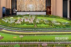 项目规划了108套瞰山合院及542套林荫洋房,整体楼栋倚靠山势台地,背山望水,最大限度地还原自然风貌。
